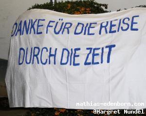 Banner mit Text: Danke für die Reise durch die Zeit