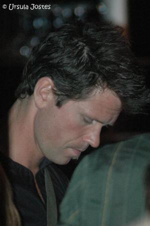 Mathias Edenborn gibt Autogramme
