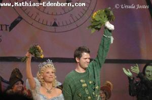 Valerie Link (Glinda) und Mathias Edenborn (Fiyero)
