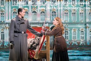 Mathias Edenborn als Gleb und Judith Caspari als Anastasia